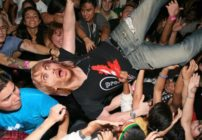 BREAKING: DAVID GUETTA FALLS OFF STAGE TRYING TO CATCH POKÉMON