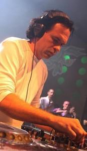 Buzz Fuzz 657 DJ Agency